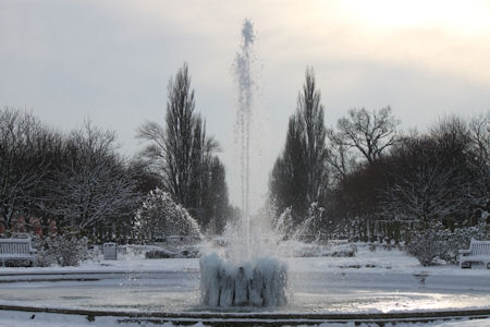 fountain_in_winter.JPG